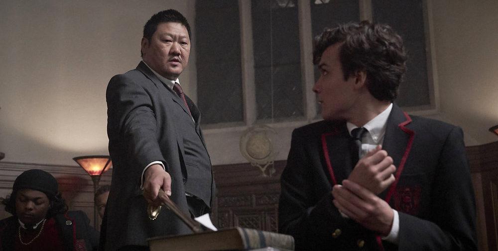 Benedict Wong als Master Lin en Benjamin Wadsworth als Marcus © Syfy