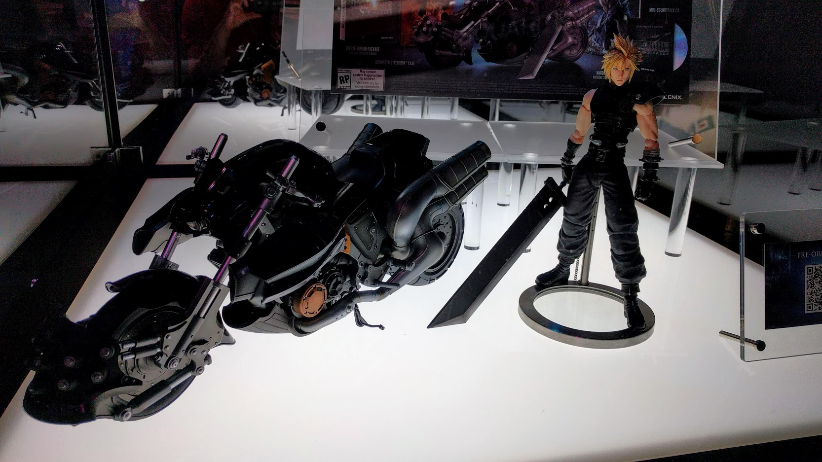 Final Fantasy VII collector's edition figurine cloud bike