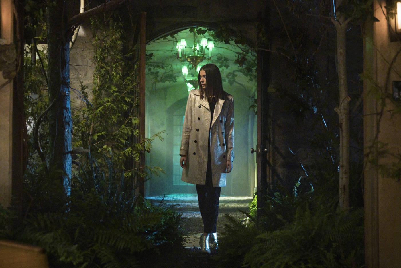 Locke & Key: Laysla De Oliveira weet een beetje dreiging te brengen in de reeks © Netflix